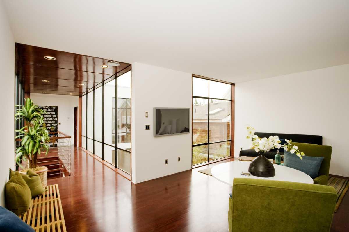 Décoration intérieurs avec fauteuils verts