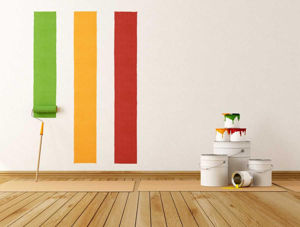 Bande de peinture sur mur blanc à chaque pièce sa couleur