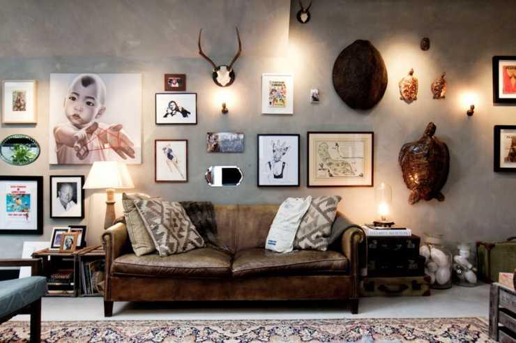 tableaux cadres et photos pêle-mêle pour créer une ambiance loft industriel