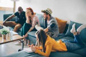 Louer son bien immobilier en colocation : les avantages